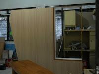 Desain Interior Semarang - Meja + Partisi Untuk 24 Staff, Front Desk, Back Panel, Font Perusahaan Dan Conference Table