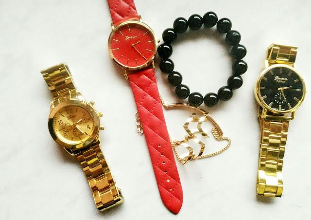 trzy zegarki z Aliexpress i biżuteria