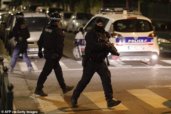Ταραχές στο Παρίσι από ομάδες μουσουλμάνων κατά του «lockdown» λίγες μέρες πριν το Ραμαζάνι.