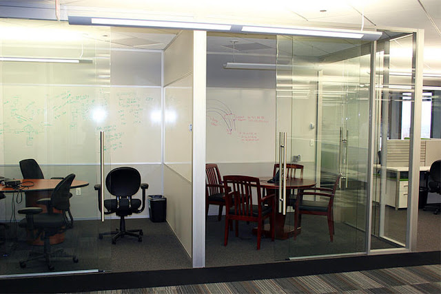 Spectacular glass sliding partition