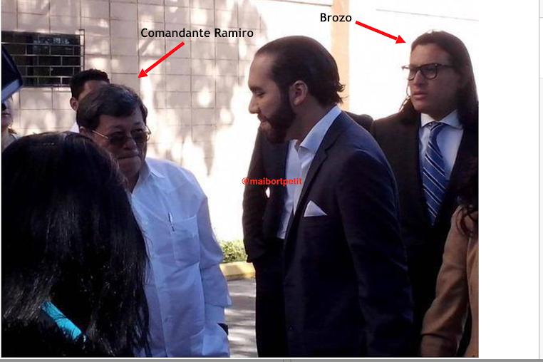 """En esta foto se puede observar a José Luis Merino del FMLN con el presidente Nayib Bukele y Ernesto Sanabria alias """"El Brozo"""""""