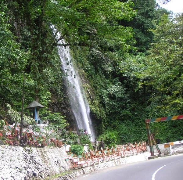 Padang Bukittinggi Singgah Di Air Terjun Lembah Anai