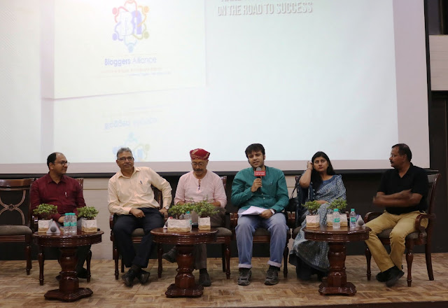 Film Critic Murtaza Ali Khan moderating a panel discussion on the occasion of the launch of Bloggers Alliance at the Constitution Club Of India. The panel featured distinguished personalities from different walks of life such as senior journalist Vineeta Yadav, activist Osama Manzar, and economist Dr. N.K.Sahu.