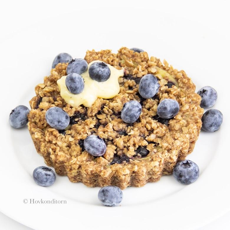 Blueberry & Vanilla Crumb Pie