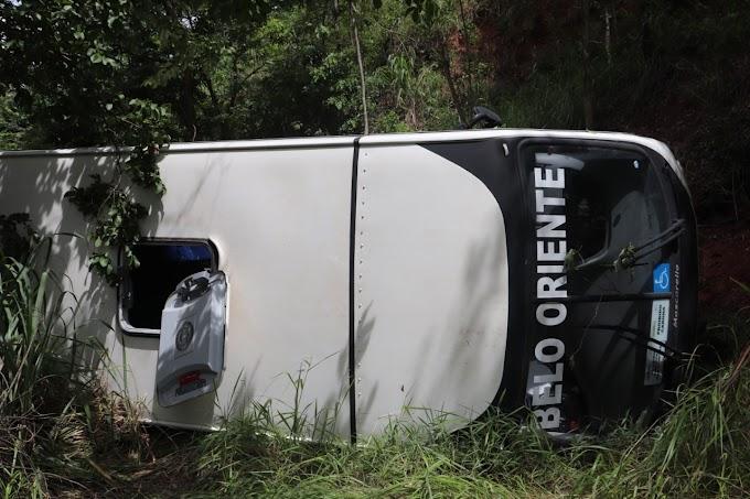 Por meio de nota, Prefeitura de Belo Oriente esclarece sobre acidente envolvendo micro-ônibus