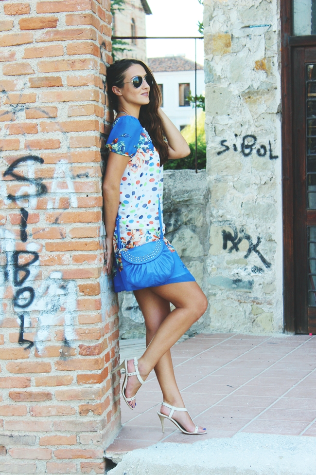 Outfit:cobalt blue, polka dots and floral print