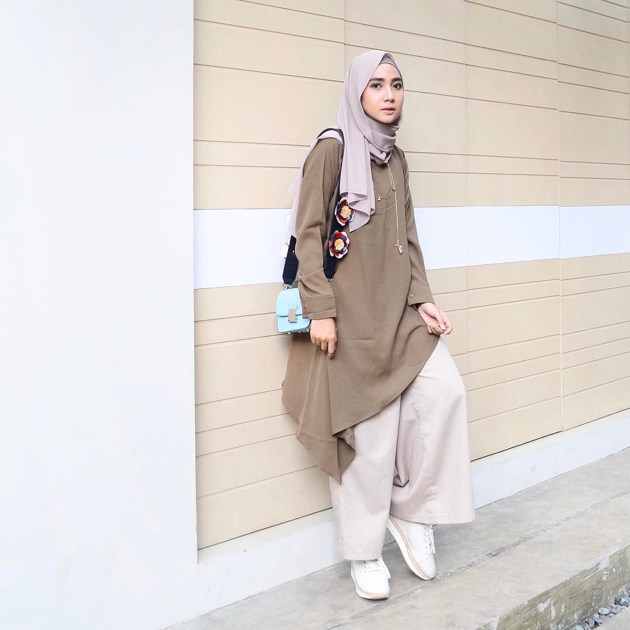 Time to look chic with wrap over tunic matching