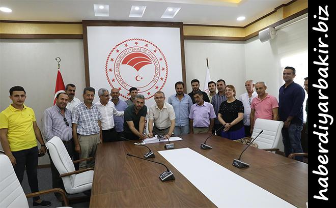 Diyarbakır'da 2019 yılı 15. Etap Bireysel Sulama Sistemleri Hibe Desteği Programı kapsamında alınan projelerden başvurusu uygun görülen 274 yatırımcının Yağmurlama ve Damla Sulama projesi onaylandı.
