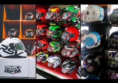 Toko helm di Jakarta Selatan