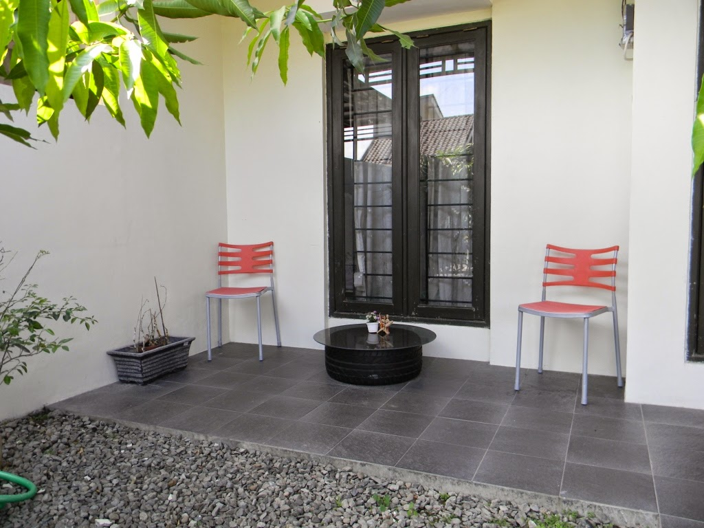 Warna keramik lantai teras rumah sebagai pelengkap