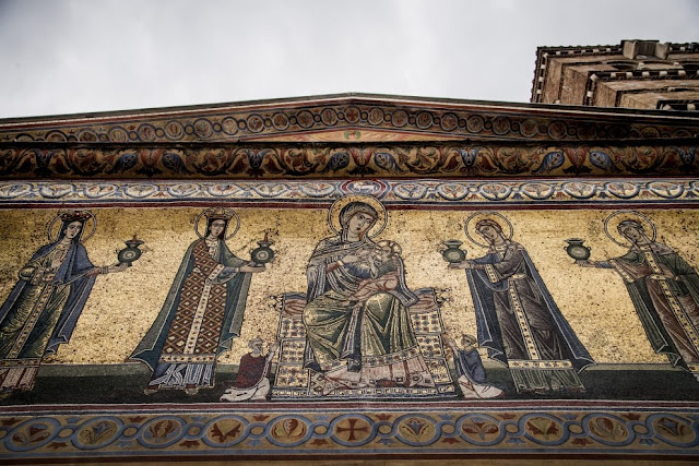 S. Maria in Trastevere façade restored to former glory