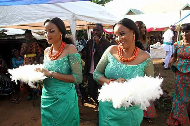 Photos: Beautiful twin sisters wed same day in Abia