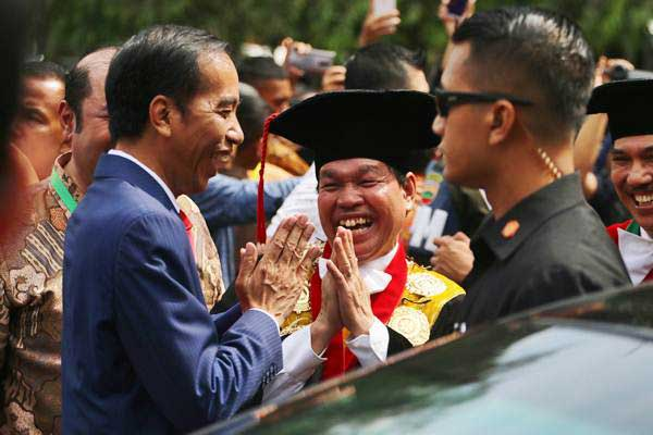 Capres Dilarang ke Kampus, Kecuali Presiden Jokowi