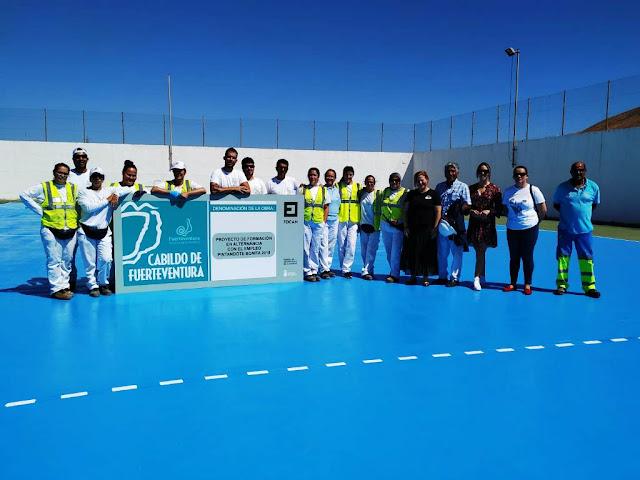 Pfae%2BVillaverde - Proyectos de empleo (PFAE) del Cabildo de Fuerteventura finalizan obra de renovación de la cancha deportiva de Villaverde