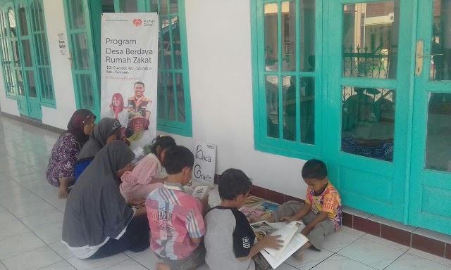 Sukseskan Gerakan Indonesia membaca, Rumah Baca Cerdas Ceria Gelar Baca Gratis di Pelataran Masjid