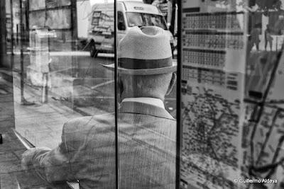 À Paris (France), by Guillermo Aldaya / AldayaPhoto