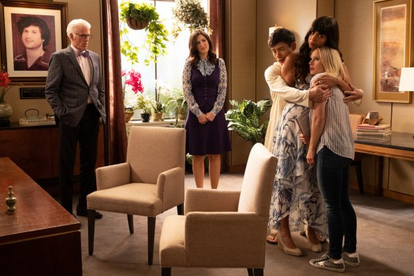 "NUP 186635 2517 595 - The Good Place (S04E01-02) ""A Girl From Arizona"" Season Premiere Preview"