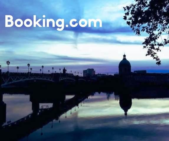 Booking.com e um parceiro do blog Olivia Garimpando Por Aí