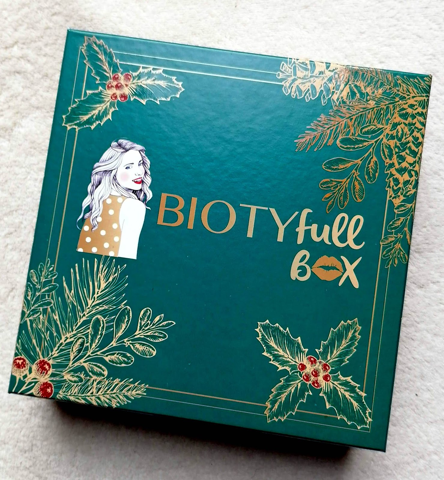BIOTYFULL BOX Décembre 2019  La raffinée et scintillante!