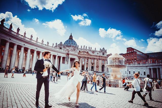 Entre más cara sea una boda, menos durará el matrimonio