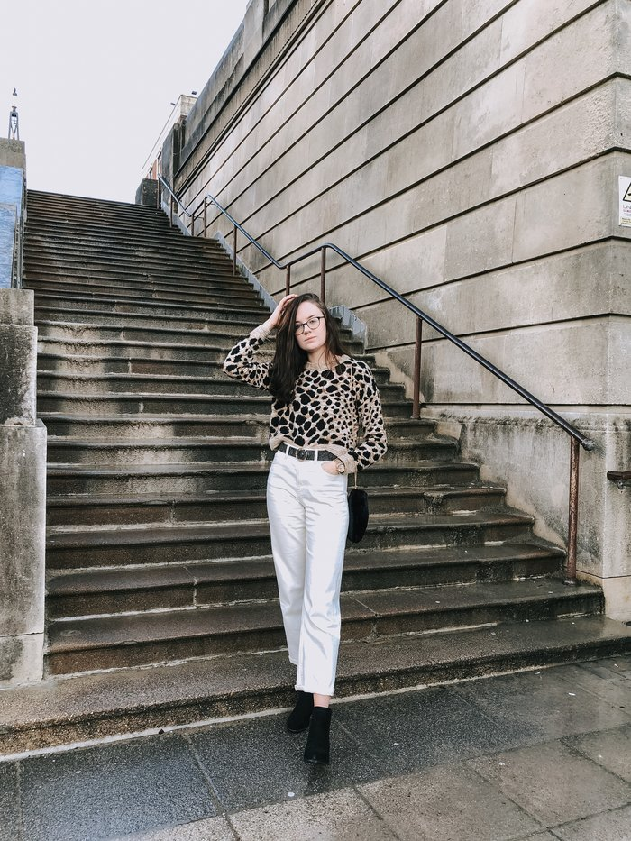 How to style cream jeans - a lookbook of five outfits featuring my favourite M&S jeans.