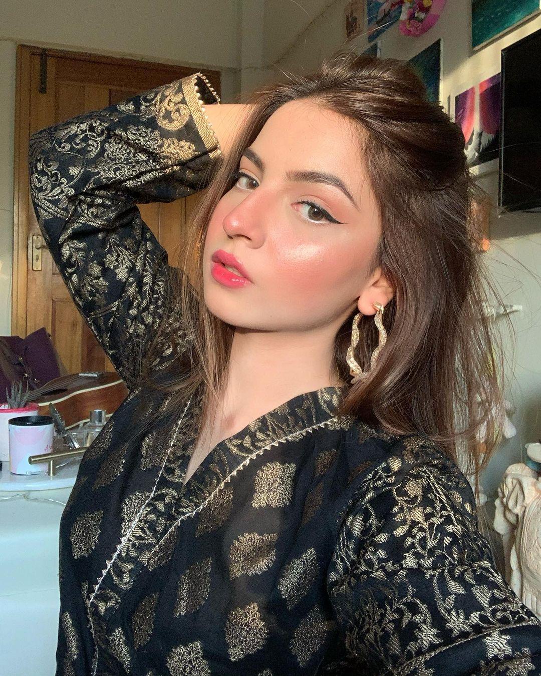 Most Beautiful Facebook Girl DP 2021