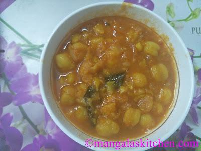 Chole Masala / Chana Masala for Punjabi Bhatura |