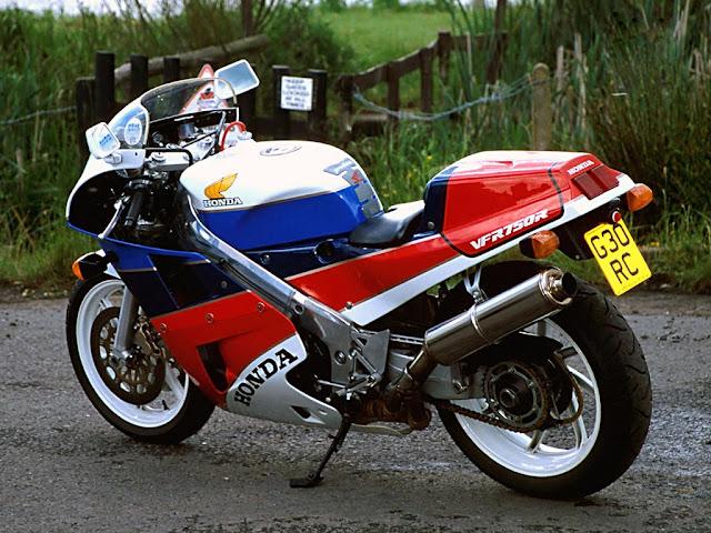 Honda RC30 Front look