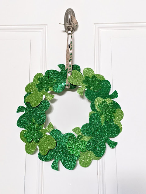 easy DIY shamrock wreath