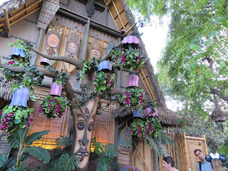Enchanted Tiki Room Preshow Adventureland Disneyland