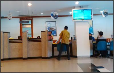 foto-pelayanan-pelanggan-customer-service-bank-BCA