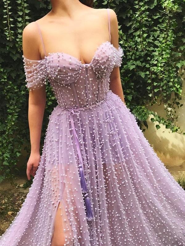 vestido longo lavanda bordado com pérolas
