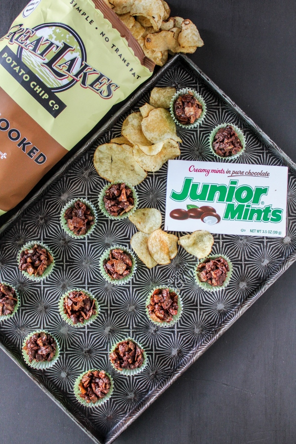 Satisfy both your sweet and salty cravings with these simple Mint Chocolate Potato Chip Clusters! These little addictive bites are perfect for road trips or an everyday snack!