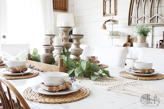 spring dining room decor, spring dining table decor, dining room wall decor, dining room ideas, how to decorate for spring, spring decor tips, buffet