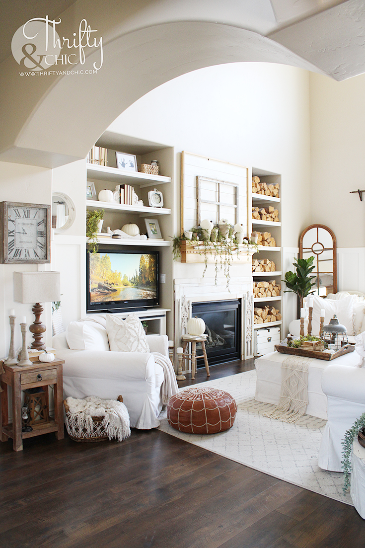 Neutral fall decorating ideas for the home, fall decor inspiration, fall decor, fall decor ideas, diy fall decor, fall mantle decor, fall mantel decorating ideas