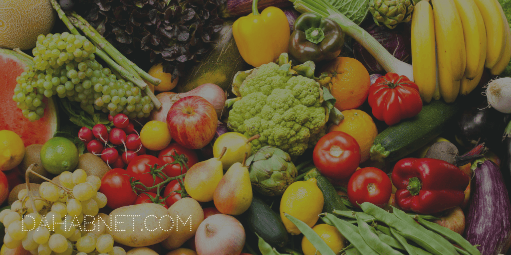 12- تناول المزيد من الفواكه والخضروات :