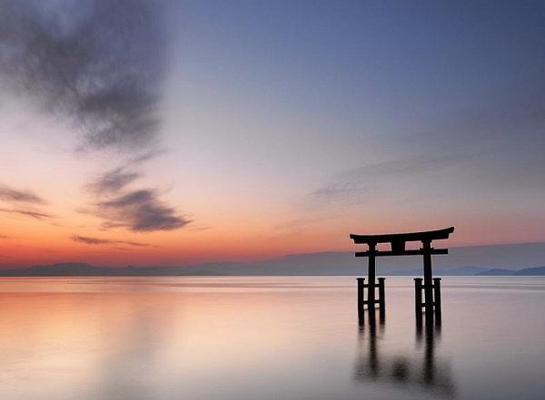 Hồ Biwa