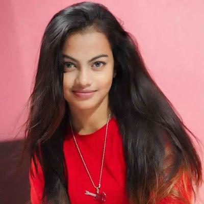 Beauty Khan Wiki, Biography