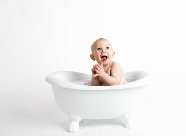 Panduan Belajar Toilet Training, Cara untuk Melatih Balita Lepas Popok