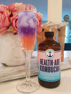 kombucha with gin, cocktails, quarantine cocktails, pea flowers