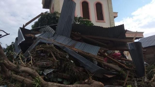 VIDEO: Usai Gempa, Muncul Lumpur yang Amblaskan Bangunan dan Pohon di Kabupaten Sigi Sulawesi Tengah