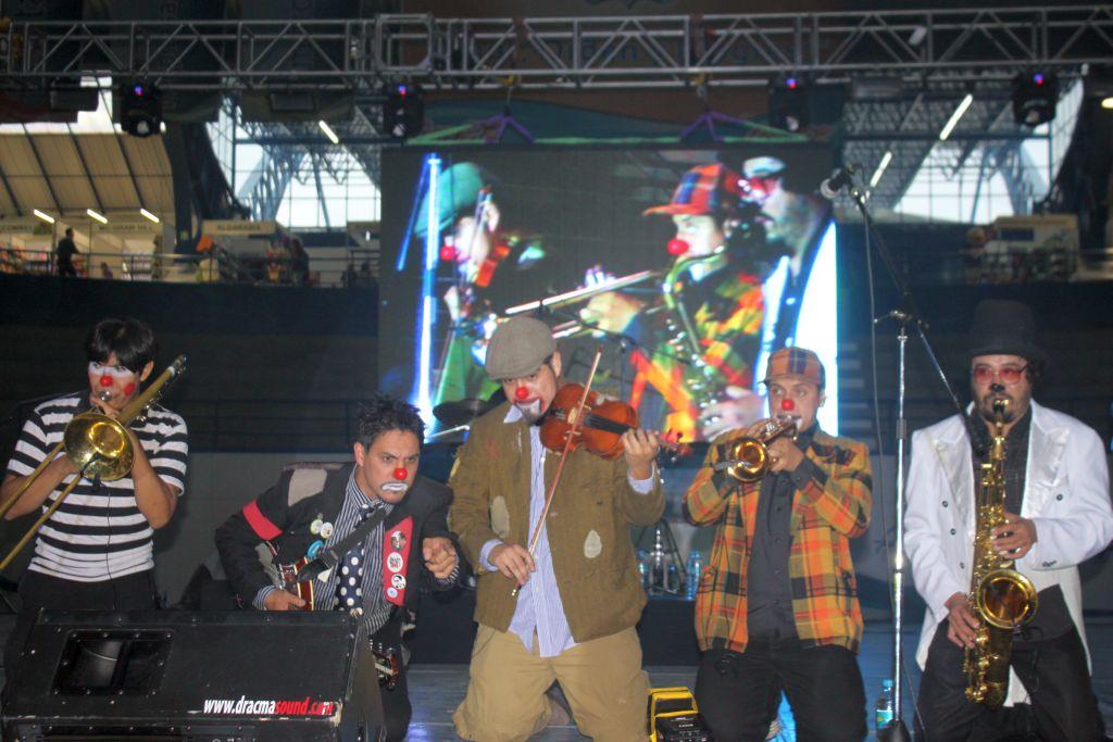 Triciclo Circus Band puso a bailar y cantar a niños 66946a5c805