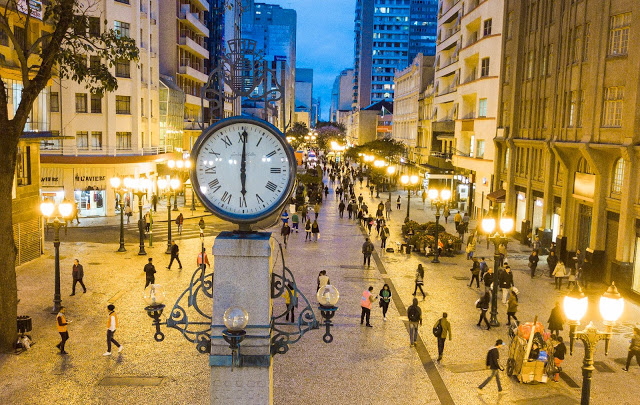 Rua das Flores - Curitiba tem uma das seis ruas mais bonitas do Brasil