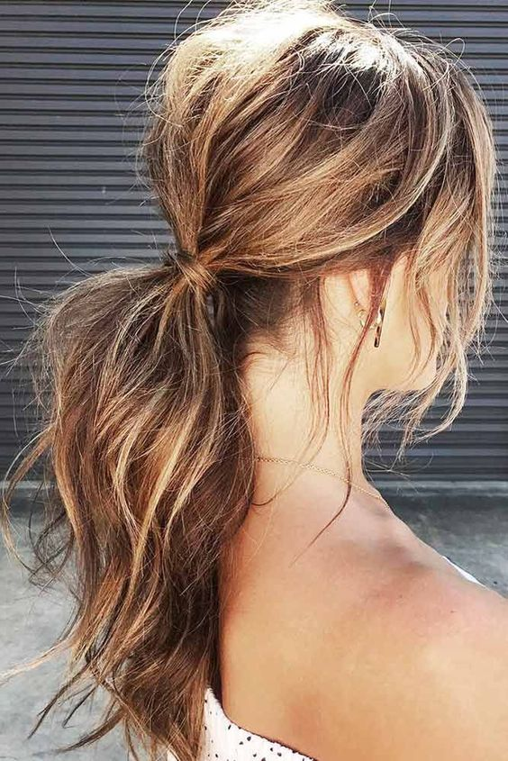 The Best Way to Quickly Tame Hair – Collect Them in the Pony