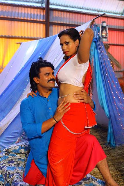 Sarkailo khatiya jada lage Shum Tiwari and Kiran Singh