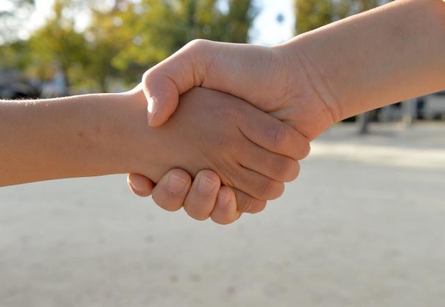仕事で信頼関係を築く イメージ