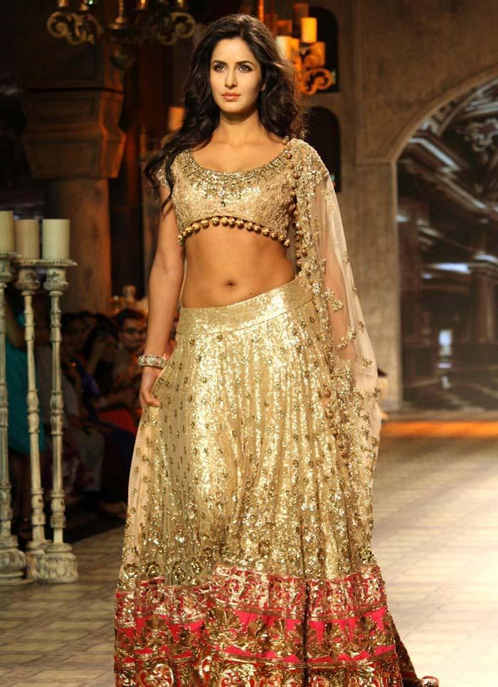 Katrina Kaif Hot Navel Show Photos During Fashion Show