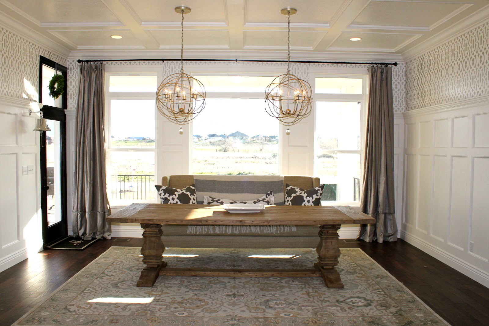 Header Settees and Dining Tables : settee3 from decorallure.blogspot.com size 1600 x 1067 jpeg 313kB
