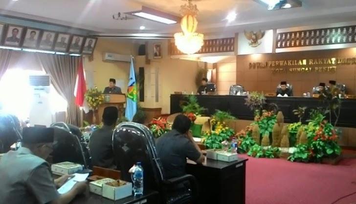 Ketua DPRD Fikar Azami Pimpin Paripurna Penyampaian 3 Ranperda