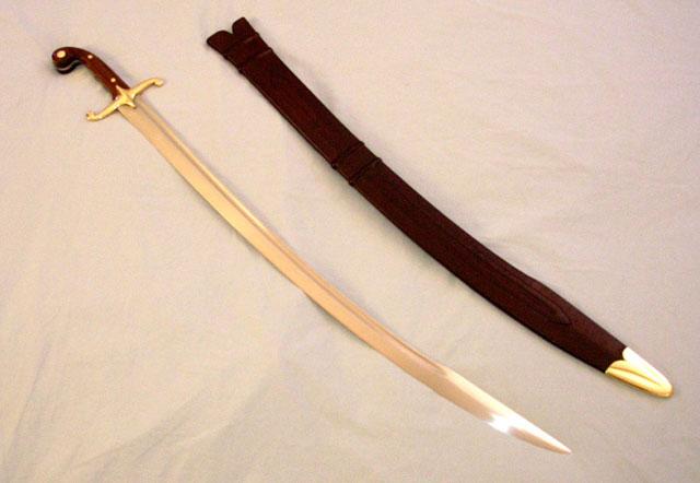 maka bakal banyak yang membayangkan senjata menyerupai pisau lurus yang ukurannya lebih b Pedang Mematikan yang Bentuknya Tidak Lurus Bahkan Ada yang Melingkar